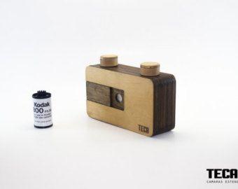 Cámara estenopeica hecha a mano. 35mm nogal por woodencameras