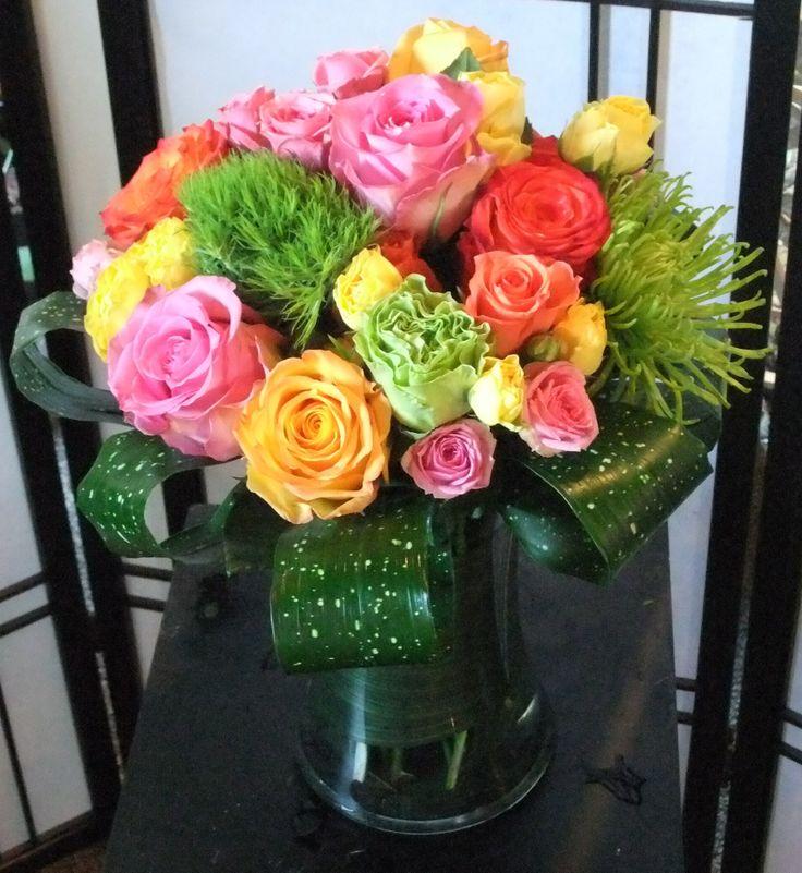 Flirt-gathering vase, asst. roses & spray roses, dianthus, fugis & polka dot leave