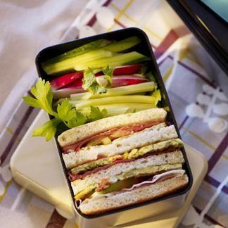 Club sandwich et crudités - une recette Sandwich - Cuisine /...