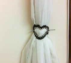 DIY heart accessory decor  See more here: http://customizando.net/como-fazer-presilha-multiuso/