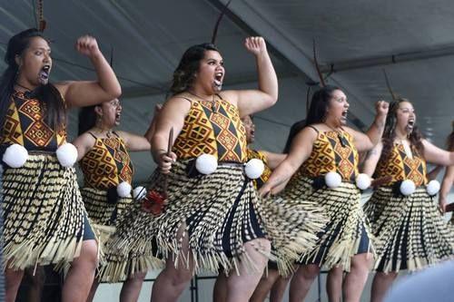 Tū Te Maungaroa- Wellington Kapa Haka Regionals 2014. Maori women.