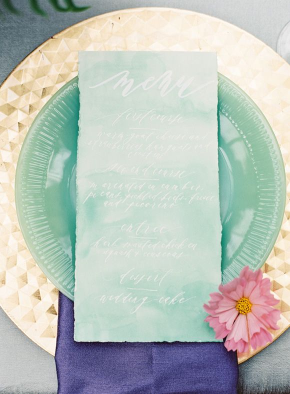 Jewel Tone Wedding Theme { 17 ideas to Use Jewel Tones } https://www.itakeyou.co.uk/wedding/jewel-tone-wedding-theme #jeweltone #wedding #weddingtheme