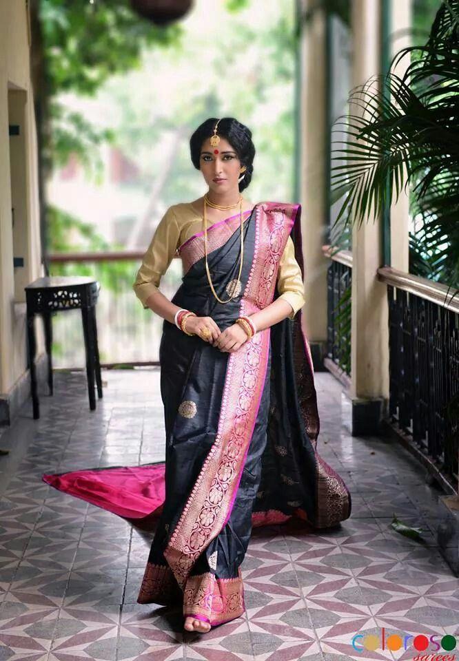 Tussar Banarasi silk saree and blouse. Indian fashion. Vintage look.