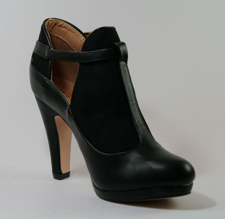 Scarpa da donna colore nero, tacco 9 cm  http://aemstore.it/home/19-scarpa-khaki.html