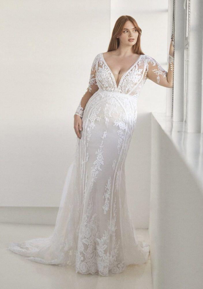Long Sleeve V Neckline Fitted Wedding Dress Kleinfeld Bridal In 2020 Plus Wedding Dresses Fitted Wedding Dress Curvy Wedding Dress