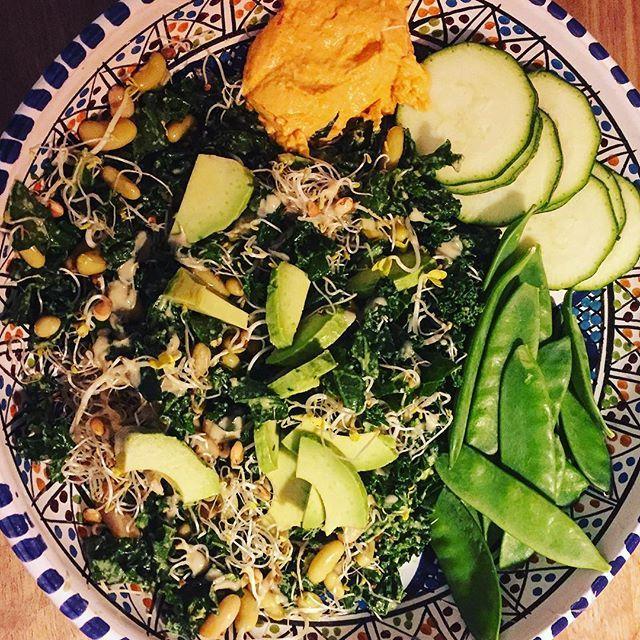 Met deze zoete aardappel broccoli koekjes zet je een heerlijk vegetarische groente snack op tafel. Geschikt als bijgerecht of lekker hartig tussendoortje!