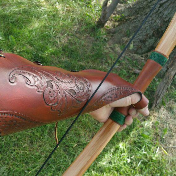 Longitud total brazo protector - mano-fileteado y tallado Sheridan estilo patrón tipo 1 - envejecido Tan - guante de tiro con arco