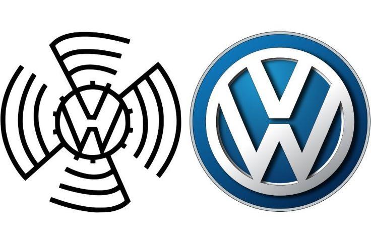 Pierwsze logo niemieckiego producenta aut powstało w 1937 r. Dwie litery V i W, które są skrótem nazwy Volkswagen, wpisane były wówczas w znak graficzny przypominający swastykę. Brytyjczycy, którzy reaktywowali po II wojnie światowej koncern, odrzucili ten znak, pozostawiając jednak dwie litery w logo. W takiej formie, z nielicznymi modyfikacjami, wizytówka Volkswagena przetrwała do dziś.