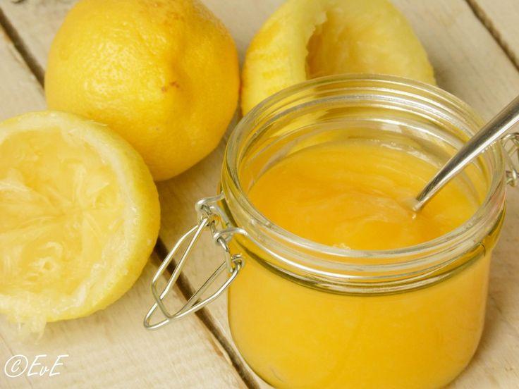 Zelf lemon curd maken! Heerlijk op gebak, ijs of met scones bij de Engelse high tea!