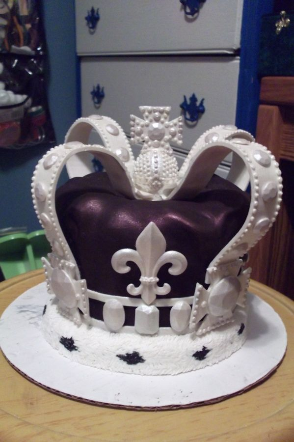 48 best Queens birthday images on Pinterest Anniversary cakes