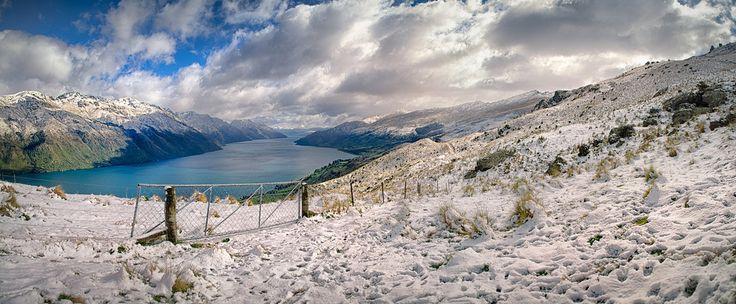 Probably the last snow of the season fell in Kingston and above on the Hector Range on a mid October day. Here's the view looking down Lake wakatipu toward Queenstown.