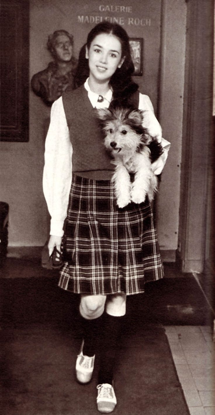 Isabelle Adjani 1973  -- what a cute doggie!