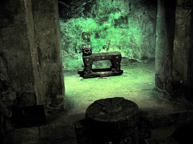 The jade jaguar throne inside the Chichen Itza pyramid, Mexico by Paul Mannix, via Flickr