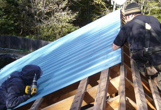 10 Steps How To Install Corrugated Metal Roofing Corrugated Metal Roof Roof Installation Metal Roof
