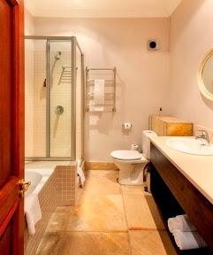 Kleine Zalze Lodge, bathrooms