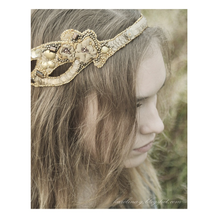 headband. silk, beads, sequins, embroidery //  http://karolina-g.blogspot.com/2011/09/znow-wracam-na-ake.html  //  http://karolina-g.blogspot.com/2011/09/na-ace.html
