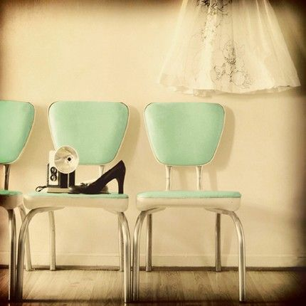 so much inspiration in one tiny photo.  Color, style, photography....