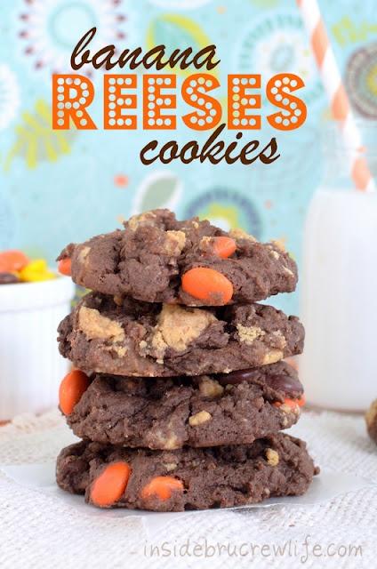 Inside BruCrew Life: Banana Reeses Cookies: Cakes Mixed, Reese Cookies, Ree Cookies, Chocolates Cakes, Cake Mixes, Bananas Reese, Chocolates Cookies, Peanut Butter, Brucrew Life