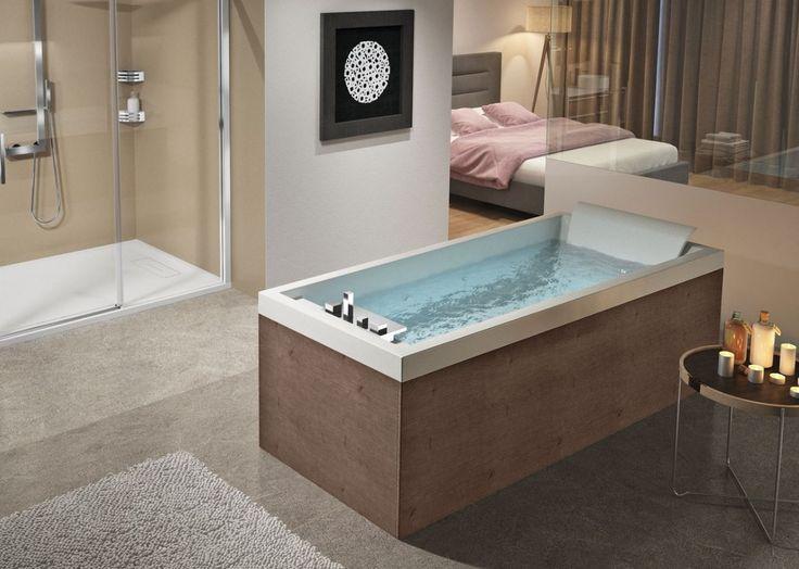 Baignoire Rectangulaire Hydromassge Sense 4 En Version Dream Plus. La baignoire rectangulaire de Novellini a un design original avec angles arrondis et un fond antidérapant avec un système hydromassage à la fois dorsal et latéral.  La baignoire est équipée d'un châssis, d'un repose-tête, d'un rebord en inox et d'une robinetterie au bord de la baignoire. #baignoire #bain #TCBD #technoconseilbaindouche #salledebain #douche #déco #design #novellini