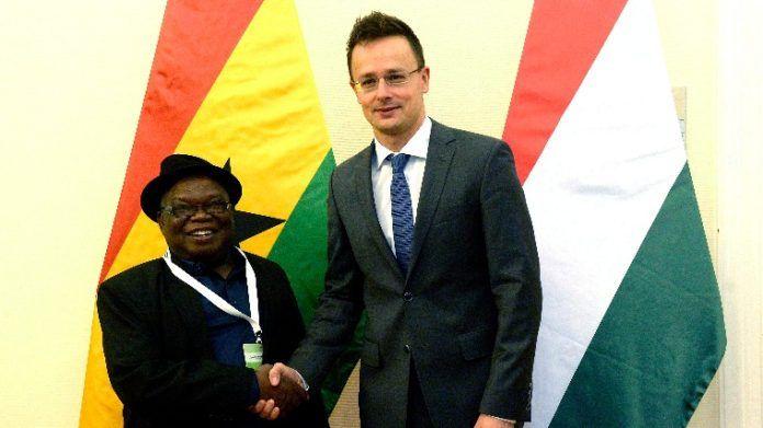 Ghanában építünk sportlétesítményeket!