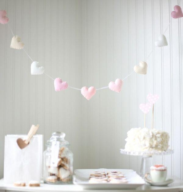 12 einfache Deko Ideen zum Valentinstag mit Girlanden | Minimalisti.com