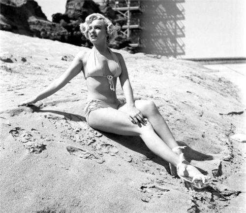 Marilyn Monroeby Earl Theisen