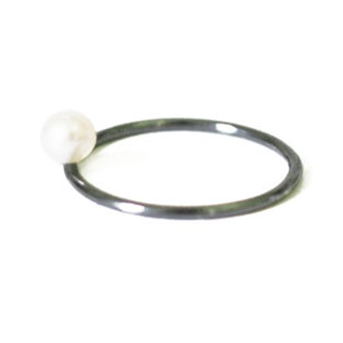 Joan Ring - Hand fabricated sterling silver ring with pearl detail, oxidised    Pearls: 4/5mm diameter  Band width: 1,4mm