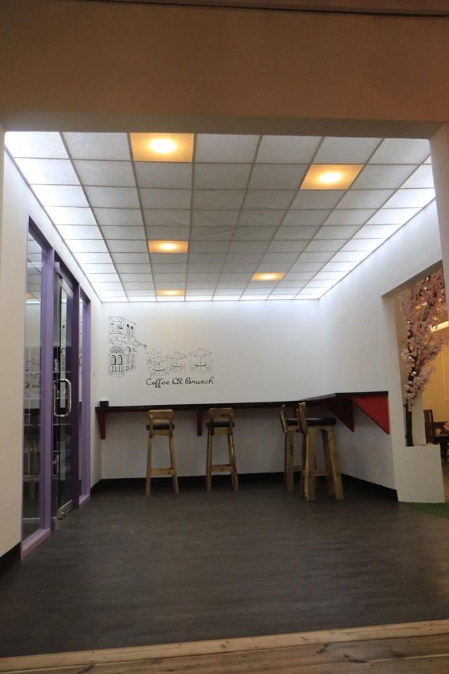 Entrance Art Cafe & Restaurant