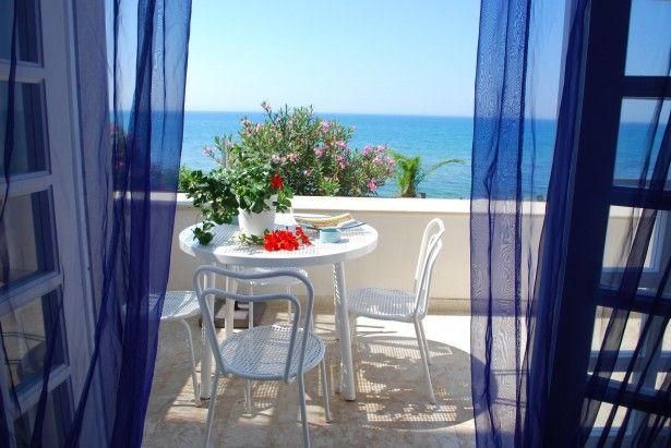 Veranda di una casa vacanza nei luoghi di Montalbano Donnalucata