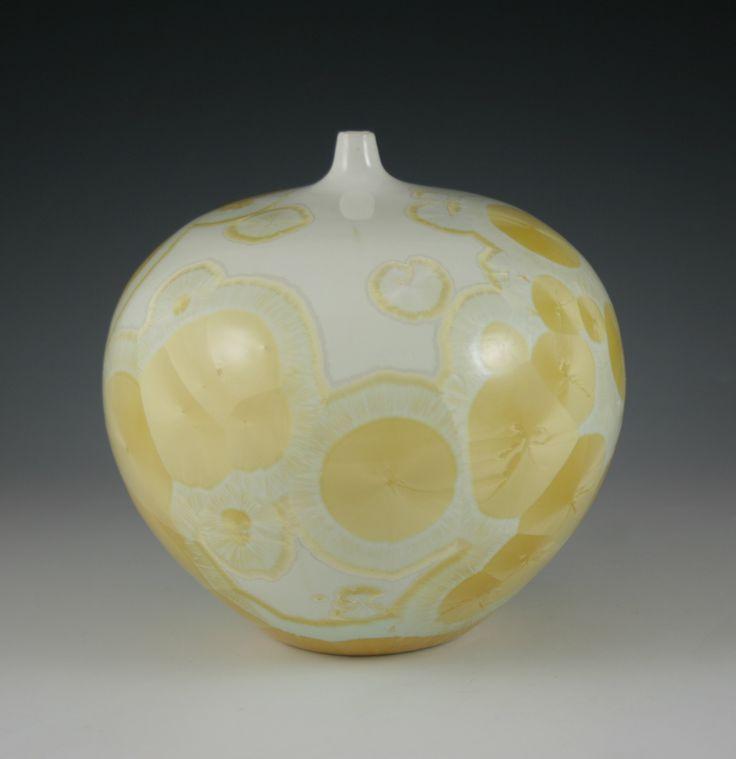 Bjarne Nielsen. Zink-silicate crystalline glaze. 8 % rutile.