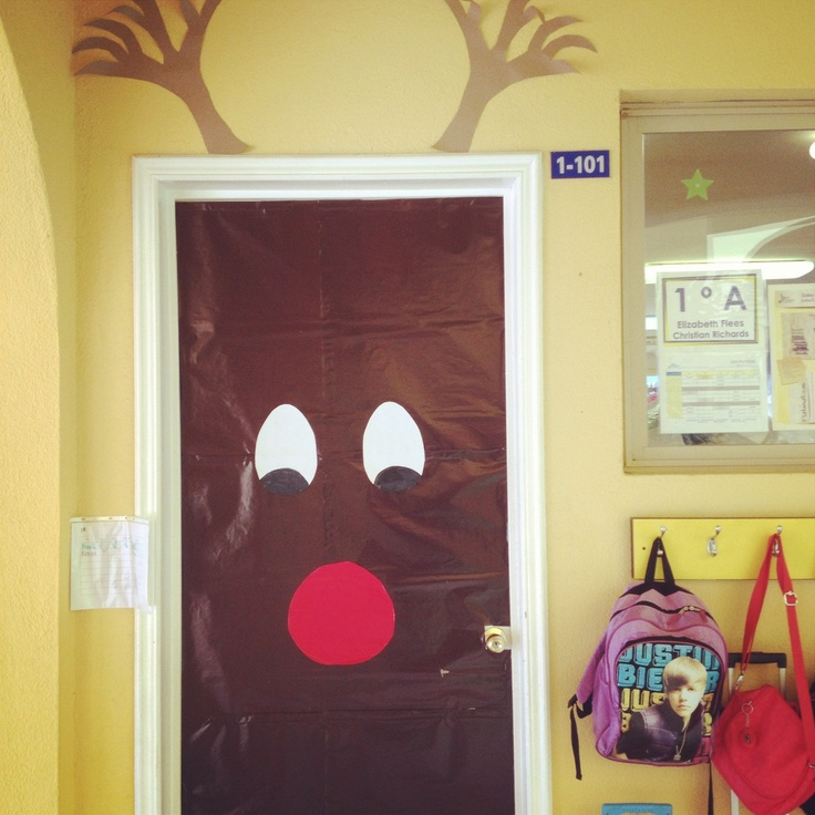 Christmas door i want to do this miss for Arreglos navidenos para puertas