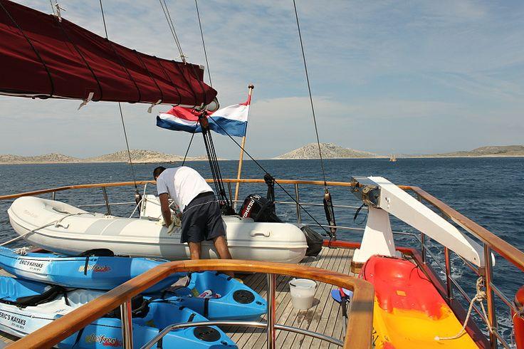 sluneční paluba jachty VJEKO