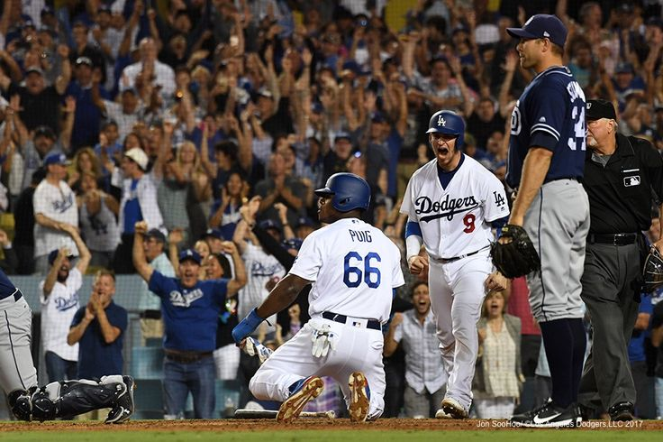 """8/12/17-Dodgers-6, Padres-3…Photography by Jon SooHoo and Jill Weisleder/©Los Angeles Dodgers,LLC…"" is published by Jon SooHoo in Dodgers Photog Blog"
