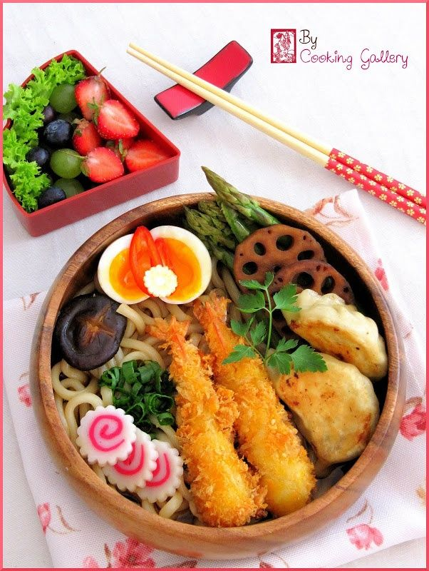 Japanese Fried Prawn and Gyoza Udon Noodle Bento Lunch|Ebi Furai  エビフライ弁当