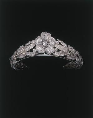 Tiara of Queen Margarita of Italy By Mellerio dits Meller, 1870 Private Collection, courtesy of Albion Art Institute, Japan by Jinx62