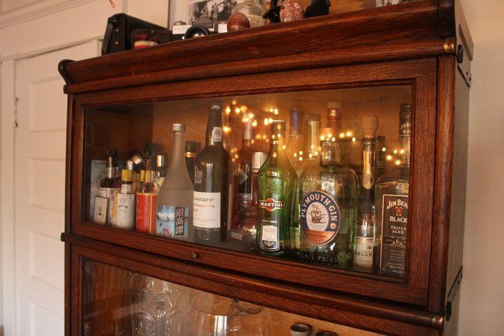 Image of: Liquor Cabinets That Lock