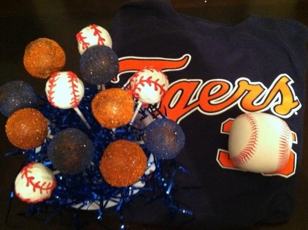 Detroit Tigers Cake Pops!