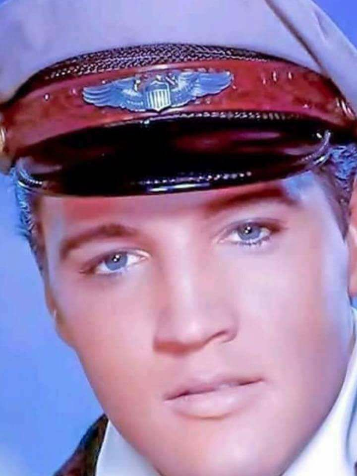 Elvis Presley, great color close-up of him