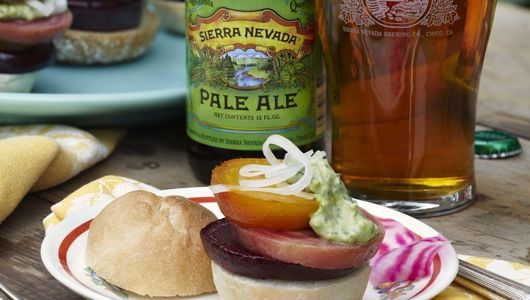 'Dinner in the Beer Garden' cookbook pairs seasonal recipes with craft beer: Dinner, Pairing Craft, Recipe, Craft Beer, Beer Garden, Cookbook Pairs, Blog, Beer Food, Crafts
