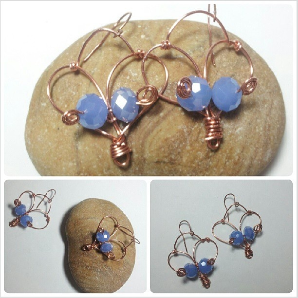 These earrings are realized with wire techinque in copper and four violet stones. I love these jewel beacause are one piece and are realized with care. Length: 5 cm, width 4 cm. Pieces are all carefully packed. For info contact me to: immacolataspinelli@gmail.com