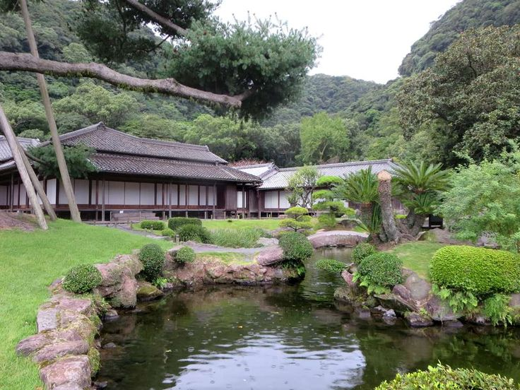 The Sangen-en Villa (1658) at Kagoshima on Kyushu Island, Japan, was once the residence of the Shimadzu clan which still owns the property.