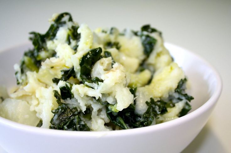 mashed potatoes with goat cheese and kale.