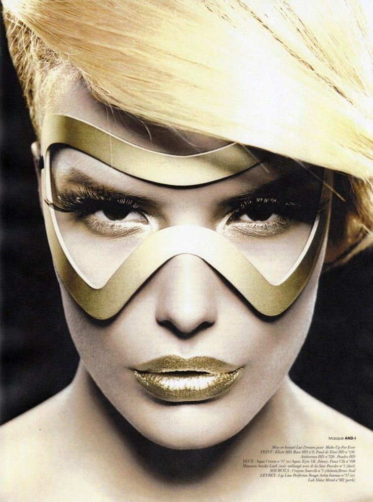 Love this crazy gold look. Sunglasses After Dark.....