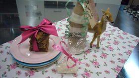 Eine tolle Geschenkidee von Enie: Backmischung im Glas für Butterscotch Brownies. Die Blondies sind köstlich und leicht gemacht!