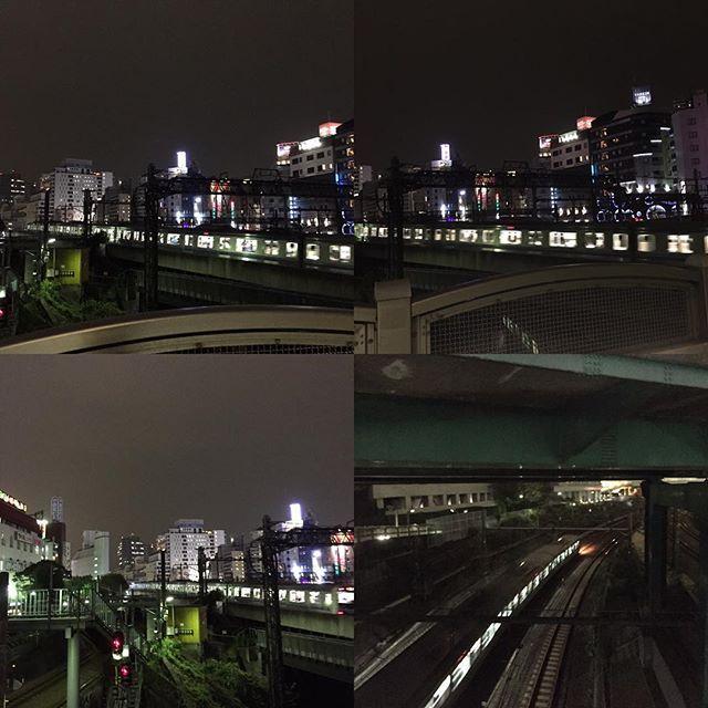 Instagram【tomokichisaito】さんの写真をピンしています。 《☆今夜の陸橋からの池袋駅は…💫☆ 主人と息子に深夜近くに呼び出され…🍜 #池袋西口 #夜景 #陸橋 #電車 #街灯 #空 #ネオン #ラーメン #家族 #夕食 #親子》