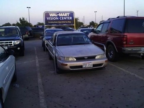 Had to be WalmartAttention Walmart, Funny Pictures, Walmart Shopper, Funny Stuff, Humor, Holy Cows, Walmart Parks, Vision Center, Parks Spots