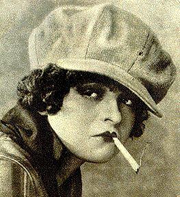 Clara Bow as Gloria Swanson in The Hummingbird (1924)