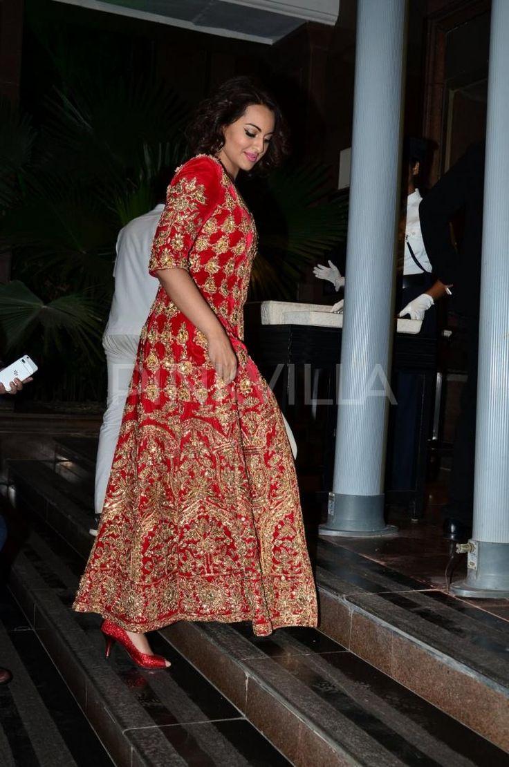 Sonakshi Sinha, Riteish-Genelia and Ajay Devgn arrive at Arpita Khan's reception | PINKVILLA