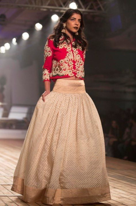 #DIY Lehenga Pick up that old Saree of your mom stitch it in a skirt, combine it with a Crop top! Vola! Your mehendi dress is ready