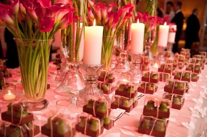 Wedding Guest Gift Ideas Pinterest : Guest Gift Table Wedding Ideas Pinterest Hot pink, Wedding and ...